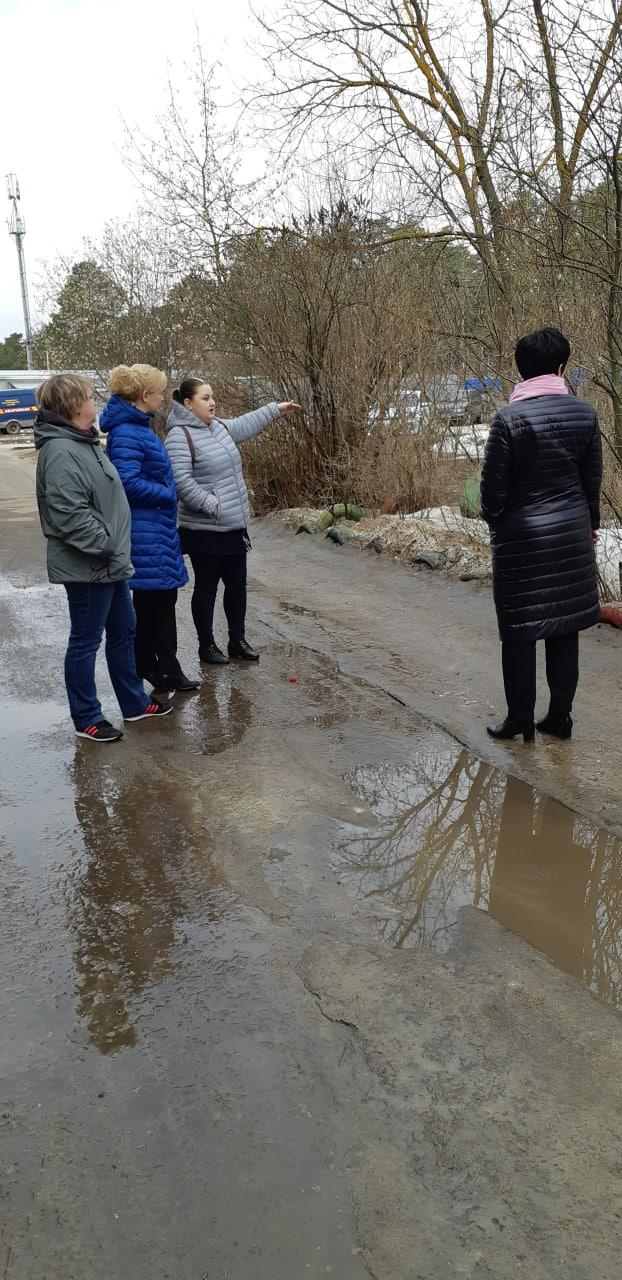 В поселке центральной усадьбы совхоза Озеры провели инспекционный обход территории