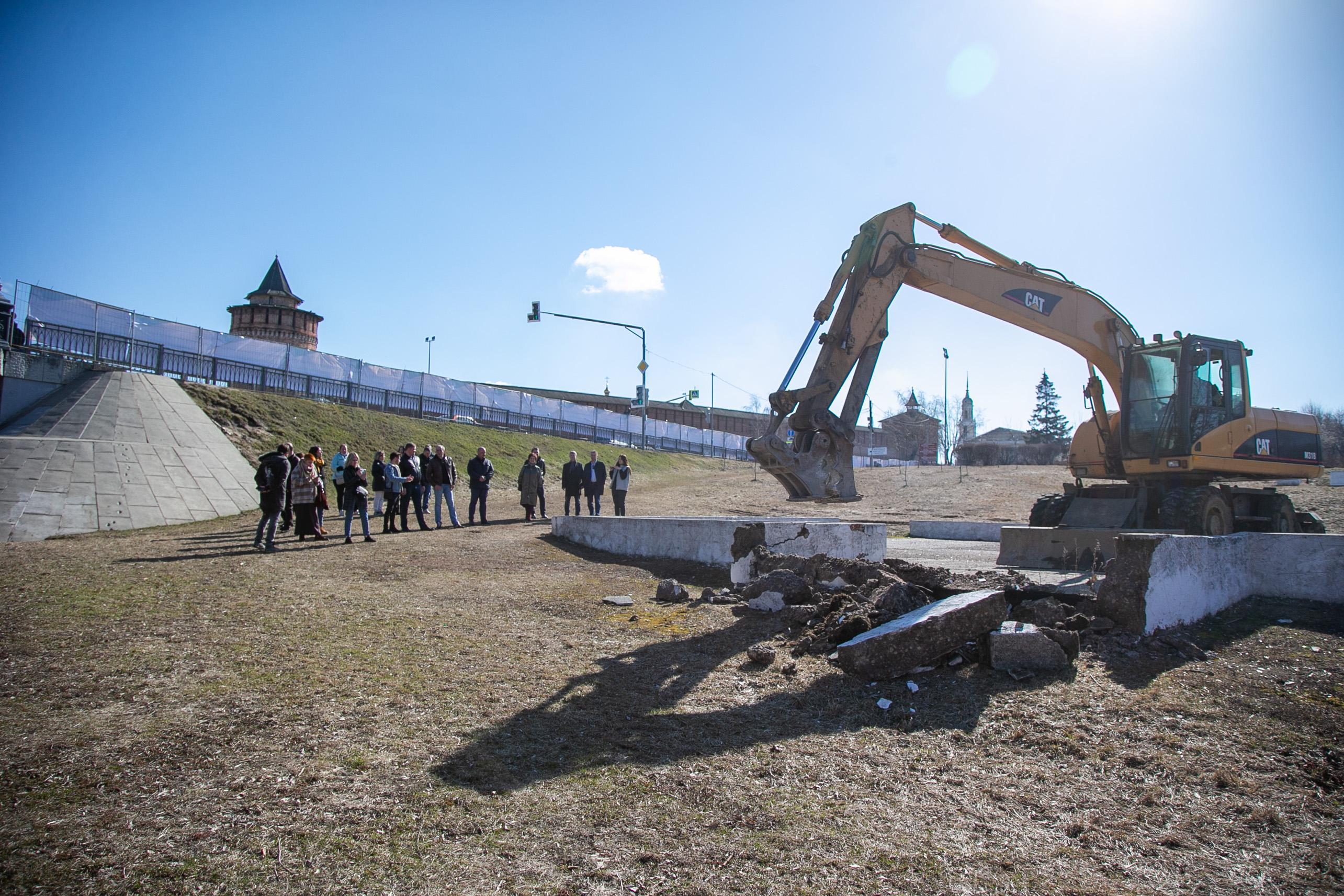 Начало первого этапа работ по благоустройству Михайловской набережной проверил глава округа
