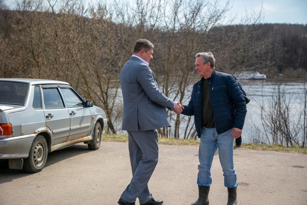Глава округа проверил организацию переправы на Оке в Озерах
