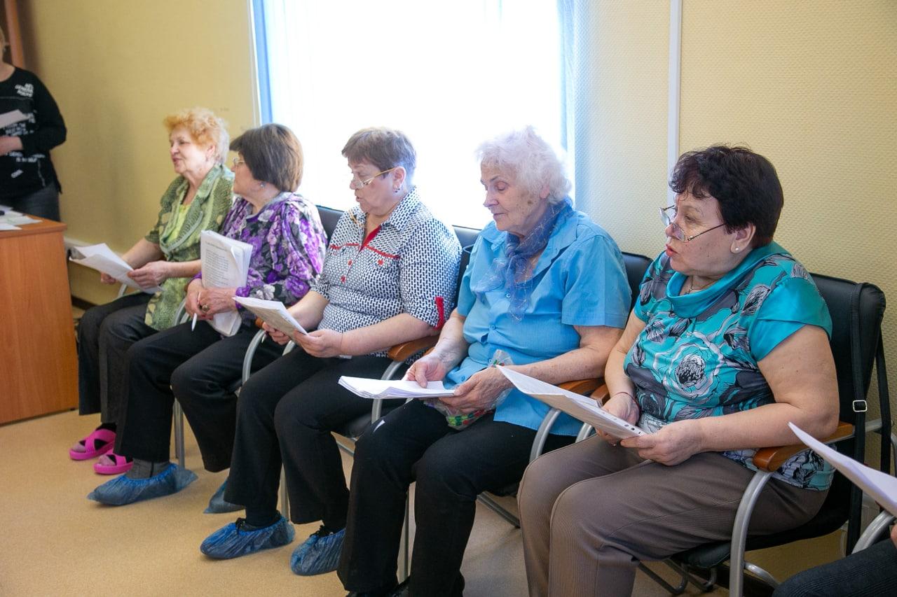 Клуб «Активное долголетие» в Озерах посетил глава округа