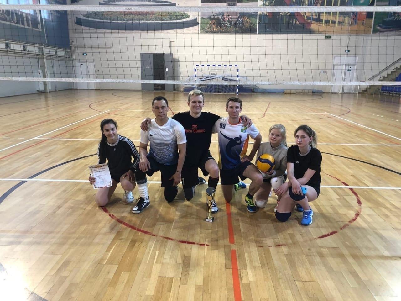 КОЛОМНАСПОРТ - Спорт в Коломне Озерские волейболисты выявляли лучших в первенстве города