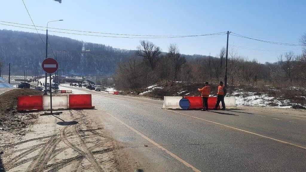 На мосту через Оку в Озерах приостановят автомобильное движение