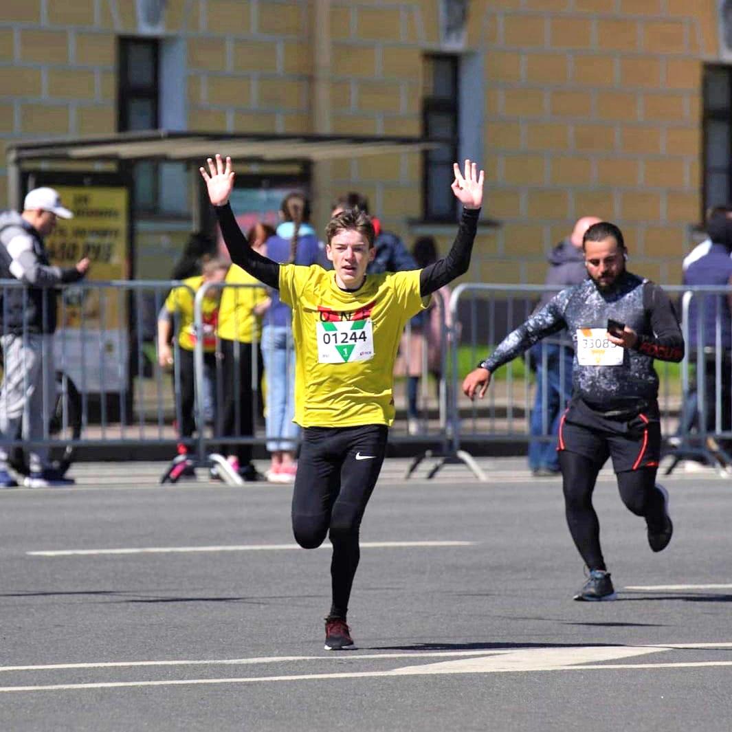 КОЛОМНАСПОРТ - Спорт в Коломне Озерчанин стал победителем всероссийского забега в Санкт-Петербурге