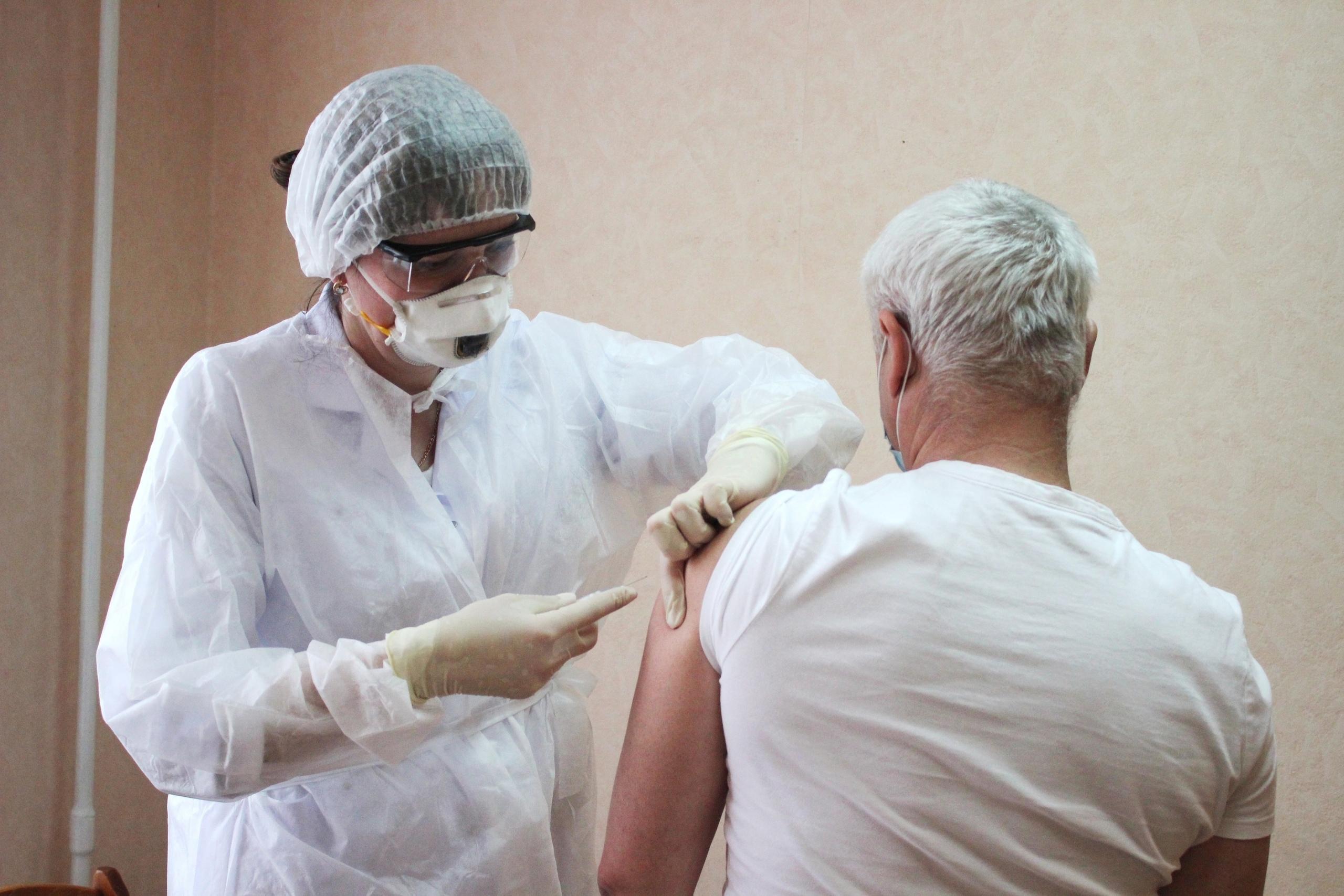 Пункт вакцинации против COVID-19, расположенный в МФЦ, продолжит свою работу в августе