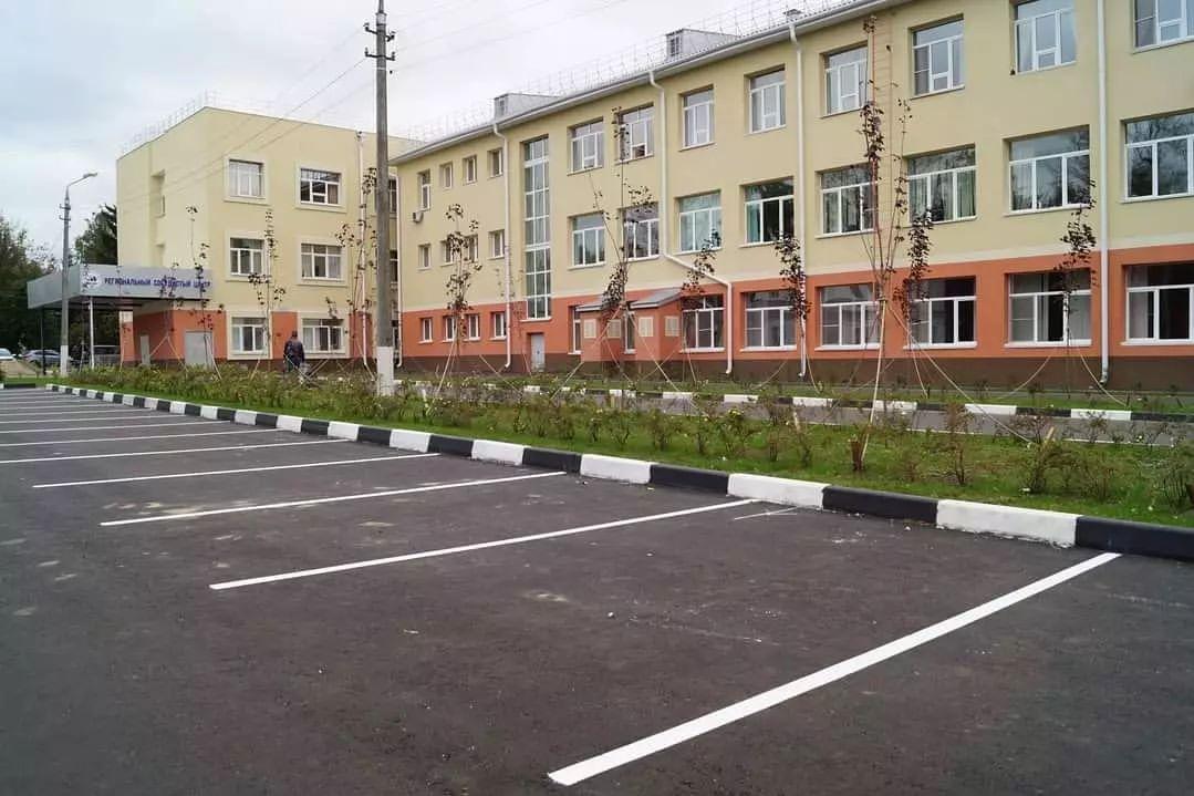 На территории Коломенской ЦРБ оборудовали парковку