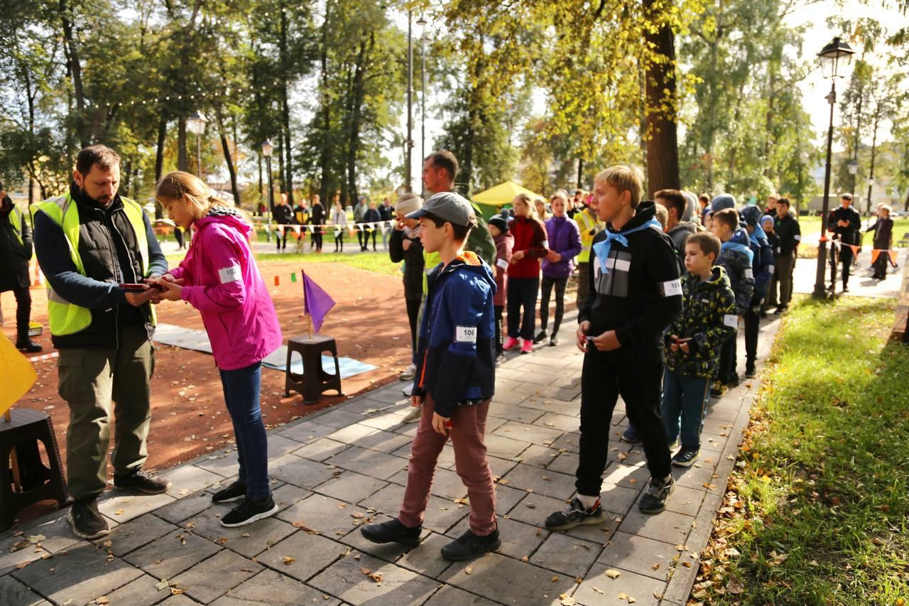 В преддверии Всемирного дня ориентирования в дисциплине «Лабиринт» в Запрудском парке прошли открытые соревнования