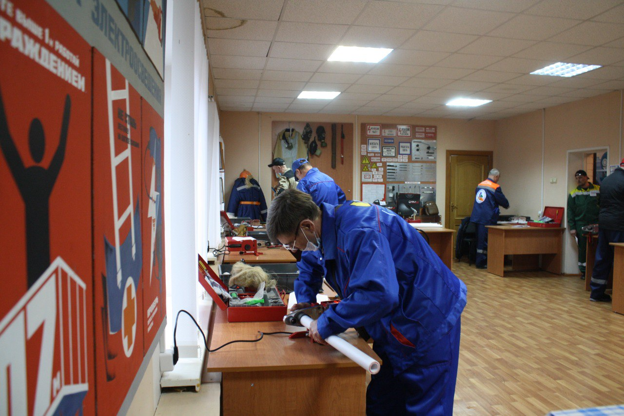 Слесарь-монтажник ООО «ДГХ» вошёл в пятёрку лучших на областном конкурсе профмастерства