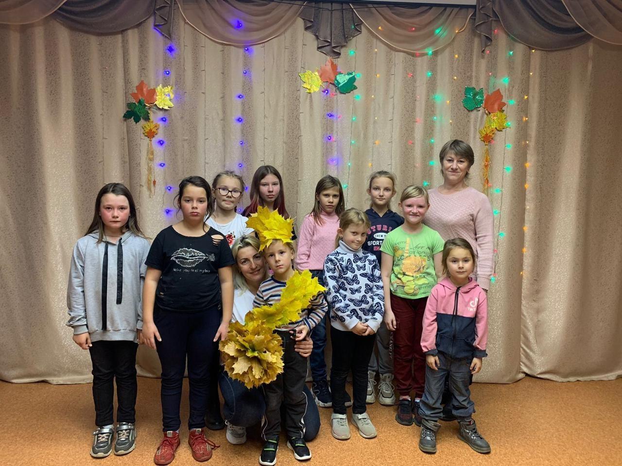 «Осенний бал» для школьников состоялся в Озёрах