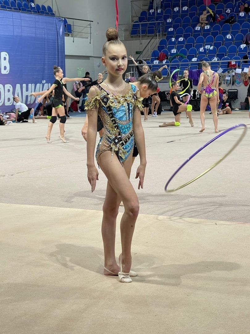 София Чуднова из Озёр в десятке сильнейших гимнасток области
